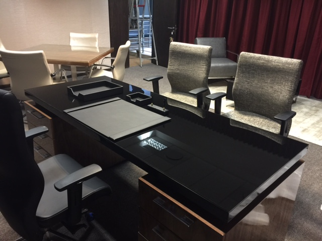 Bankserve office workstations and seating