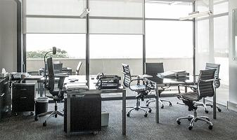 Managing Directors office with glass and chrome workstation Image