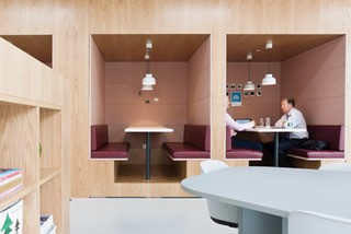 Separate Canopy made for quick Meetings providing sound absorption and cosy atmosphere for an informal chat Image