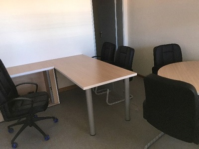Administration corner table and chairs