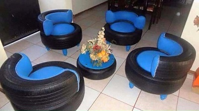 Blue tyre lounge 4 seater with coffee table